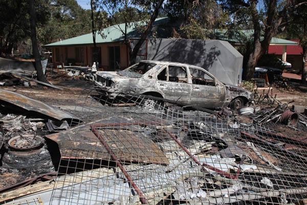 Kelmscott Roleystone Fires in Perth 7 February 2011